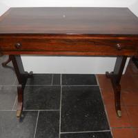 Rosewood sofatable  (Regency)  1810 Pallisander sofatafel  vroeg 19 de eeuw